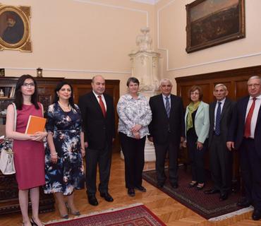 Serbiya Prezidenti Azərbaycan alimlərinin nümayəndə heyətini qəbul edib