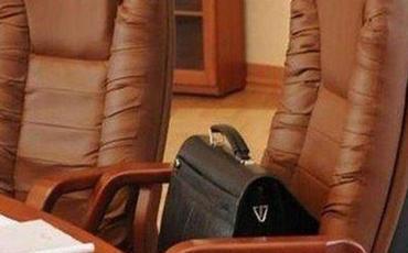 Bakıda direktor işdən çıxarıldı - Şagirdlərə qanunsuz attestat verdiyi üçün