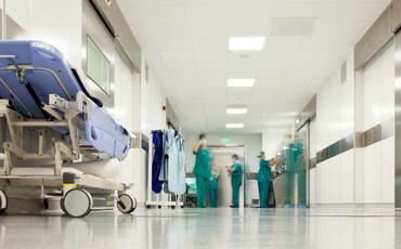 Mərkəzi Gömrük Hospitalı koronavirus xəstələrinə görə pasient qəbulunu dayandırdı