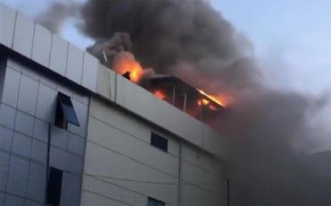 Türkiyədə fabrik yanır