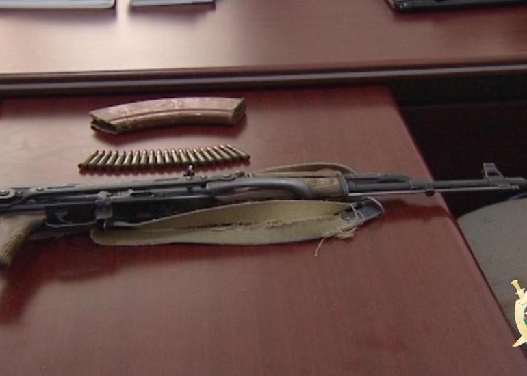 Polis Bakıda əməliyyat keçirdi, silah və narkotik aşkarlandı