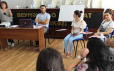 """Jurnalistlərin Həmkarlar İttifaqı araşdırmaçı jurnalistlər üçün """"Təhlükəsiz tədqiqat"""" seminarı təşkil edib"""