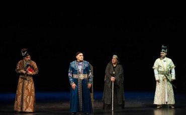 """Milli Dram Teatrında """"Şah Qacar"""" tamaşası nümayiş olunacaq"""