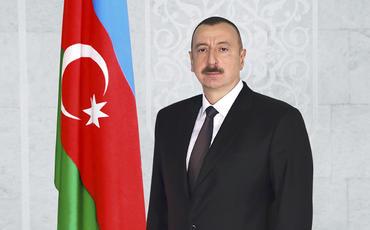 Prezident İlham Əliyev Sumqayıtda Ulu Öndərin abidəsini ziyarət edib