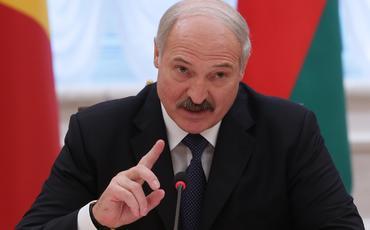 Lukaşenko: Donbası ABŞ-sız həll etmək mümkün deyil
