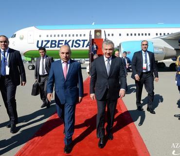 Özbəkistan Prezidenti Şavkat Mirziyoyev Azərbaycana səfərə gəlib