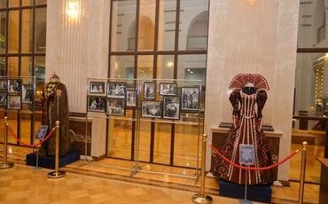 Milli Dram Teatrına dövlət statusu verilməsinin 100 illiyi təntənə ilə qeyd edilib
