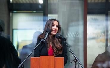 Heydər Əliyev Fondunun vitse-prezidenti Leyla Əliyeva Moskvada İmaməddin Nəsiminin heykəlinin açılışında iştirak edib
