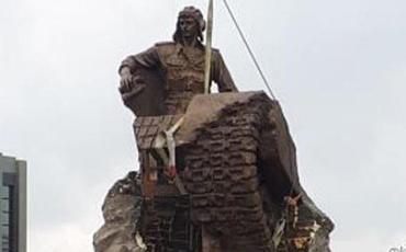 Albert Aqarunova ucaldılan heykəlin açılış tarixi bəlli oldu