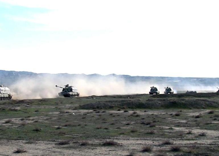 Raket və Artilleriya Qoşunları əməliyyat təliminin tapşırıqlarını icra edir