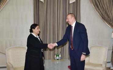 """Prezident İlham Əliyev Dilarə Seyidzadəyə """"Şərəf"""" ordenini təqdim edib"""