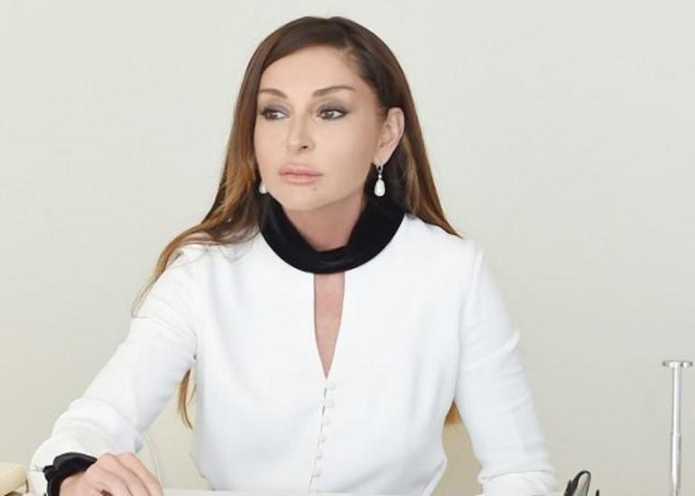"""Mehriban Əliyevanın Rusiyaya rəsmi səfəri """"Lider""""də müzakirə olundu"""