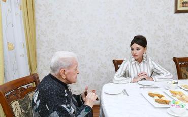 Xalq artisti Əlibaba Məmmədov Mehriban Əliyevaya: Siz bizim xalqımızın sevimlisisiniz, bu adı qazanmaq böyük bir şərəfdir