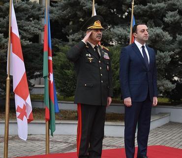 Azərbaycan və Gürcüstan Müdafiə nazirləri görüşüb