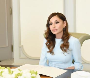 Birinci vitse-prezident Mehriban Əliyeva Mixail Qusmanı 70 illik yubileyi münasibətilə təbrik edib