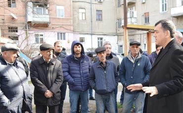 """Qüdrət Həsənquliyev: """"İlk növbədə düşüncəmizdə dəyişikliyə nail olmalıyıq"""""""