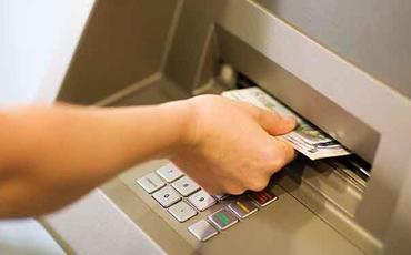 Azərbaycan əhalisi bu il bank kartlarından 5,5 mlrd. manatdan çox vəsait nağdlaşdırıb