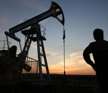 """KİV: """"OPEC+"""" ölkələri neft hasilatını üç aylıq azalda bilər"""
