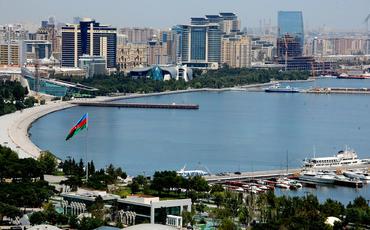 Bakı və daha 21 şəhər-rayonda komendant saatı başlayıb