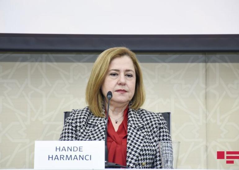 """Hande Harmancı: """"Uşaqlara peyvəndlərin vurulması davam etdirilməlidir"""""""