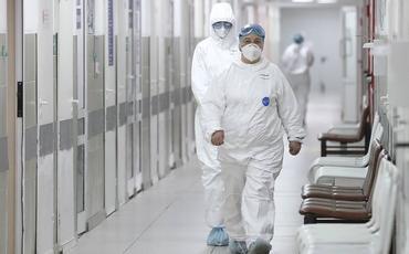 Rusiyada koronavirusa yoluxanların sayı 400 min nəfəri keçib