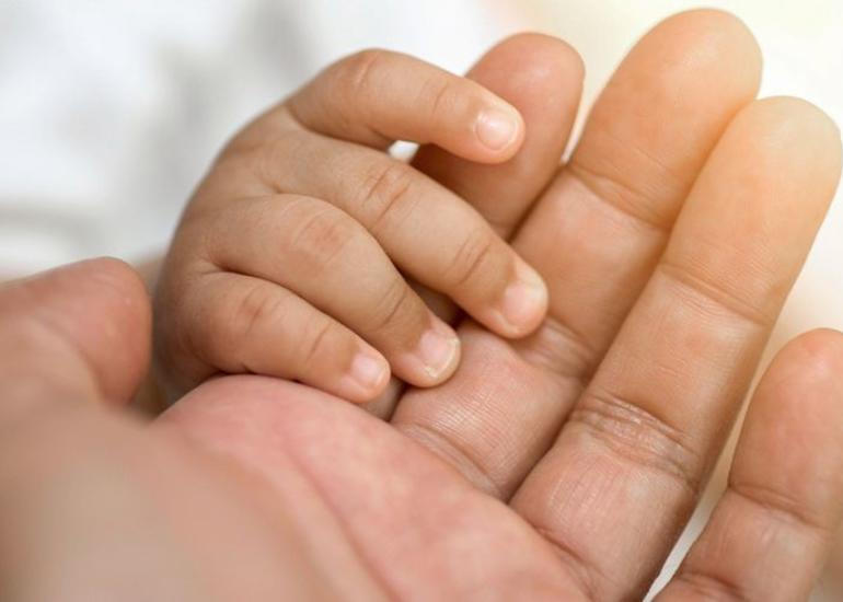 Meksikada koronaviruslu üçəm doğulub