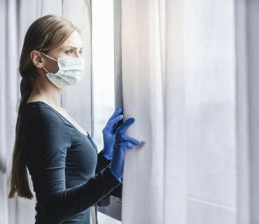 Nazirlik: Ev şəraitində müalicə alan koronaviruslu xəstələrə dərmanların çatdırılmasına başlanılıb