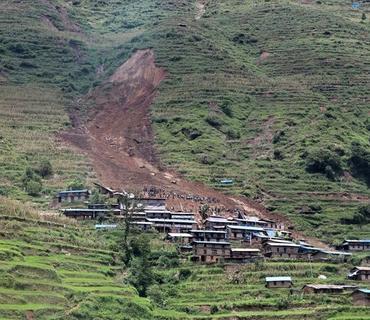 Nepalda sürüşmə nəticəsində 11 nəfər ölüb, 27 nəfər itkin düşüb