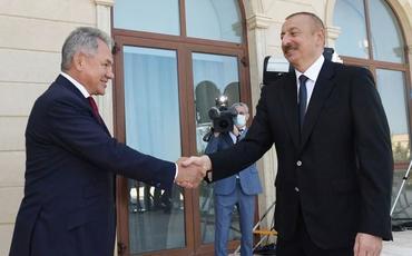 Prezident İlham Əliyev Rusiya Müdafiə nazirini qəbul edib