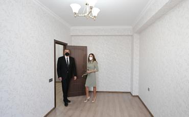 Prezident İlham Əliyev və birinci xanım Mehriban Əliyeva Buzovnada yenidən qurulan yataqxana binasının açılışında iştirak ediblər