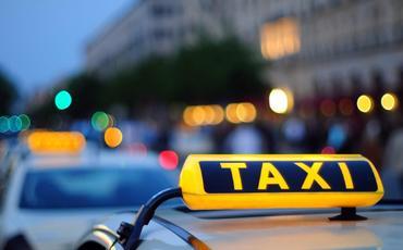Taksi sürücüləri üçün etik davranış və avtomobil nəqliyyatı ilə bağlı aktlarda dəyişiklik edilib