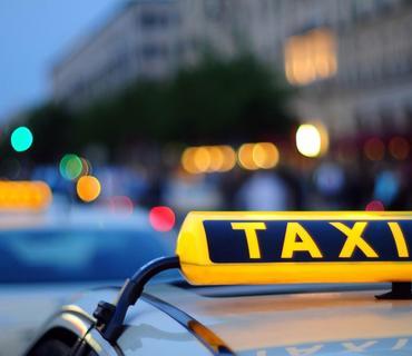 Xüsusi karantin rejimi dövründə ötən il 10 mindən çox taksi sürücüsünə icazə verilib