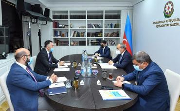 Azərbaycan və AİB əməkdaşlığın genişləndirilməsi perspektivlərini müzakirə edib