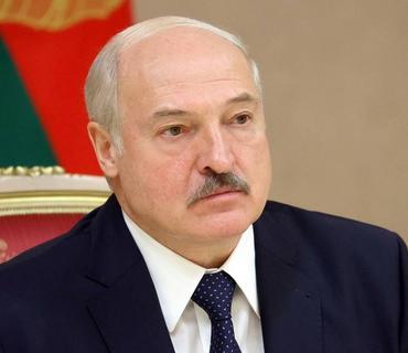 Lukaşenko andiçmə mərasiminin gizli keçirilməsi ilə bağlı ittihamlara cavab verib