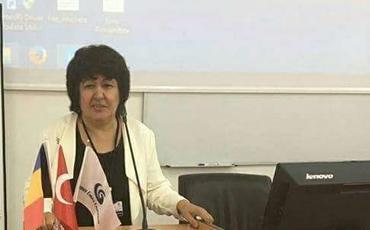 """Şəhla Əhmədova: """"Torpağımıza, bayrağımıza sahib çıxmalı olduğumuz kimi, dilimizə, sözlərimizə də sahib çıxmalıyıq"""""""