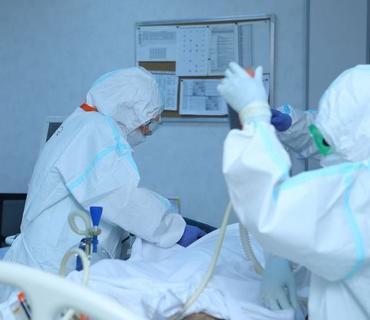Koronavirusla mübarizə aparan tibb işçiləri və könüllülərə iyul üzrə 359 min manat ödənilib