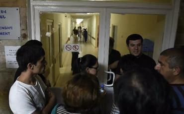 Ermənistan xəstəxanaları hərbi vəziyyətlə əlaqədar ancaq ağır xəstələri qəbul edəcək