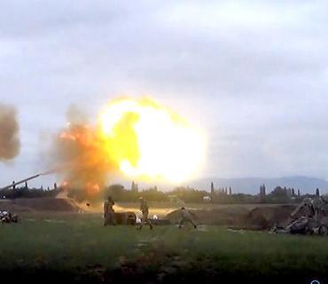 Düşmən mövqelərinə artilleriya zərbələri endirilir