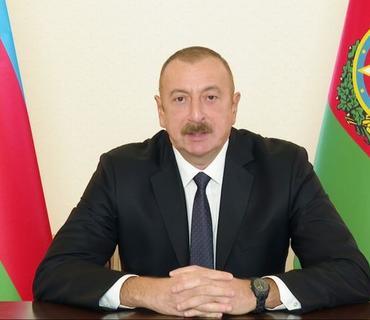 Prezident İlham Əliyev bir qrup qadını təltif edib