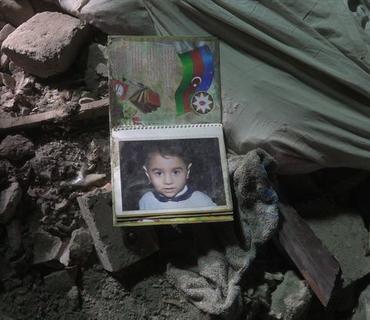 FHN: Ermənilərin Bərdəni atəşə tutması nəticəsində 5 evə ciddi ziyan dəyib - FOTO