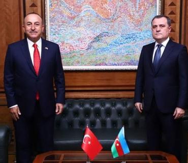 Mövlud Cavuşoğlu ilə Ceyhun Bayramov telefonla danışıb