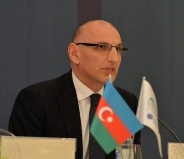 """Hikmət Hacıyev: """"Azərbaycan Ordusu hərbi obyektlərin neytrallaşdırılmasında dəqiqdir"""""""