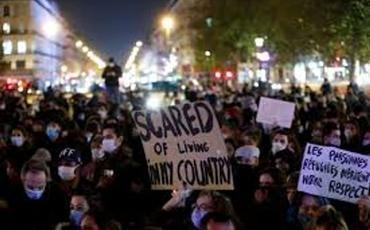 """Əfqan mühacir: """"Fransa polisinin humanist olduğunu düşünürdük, bizi amansızcasına döyənədək..."""""""