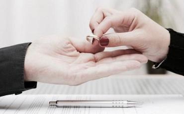 Ölkədə nikahın pozulmasından imtina edən cütlərin sayı açıqlanıb