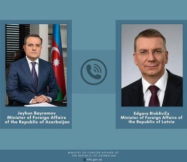 Ceyhun Bayramov latviyalı həmkarı ilə telefonla danışıb