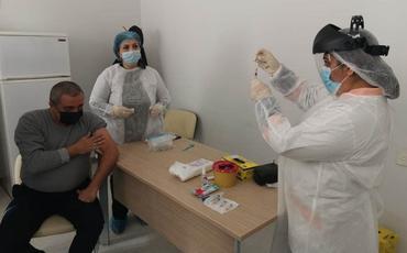 """Gəncədə """"COVID-19""""-a qarşı vaksinasiya prossesinə başlandı"""