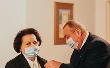 Azərbaycan Ağsaqqallar Şurasının sədr müavini, İnsan hüquqları üzrə keçmiş müvəkkili (sabiq Ombudsman), kimya elmləri doktoru, professor Elmira Süleymanovaya orden təqdim edildi