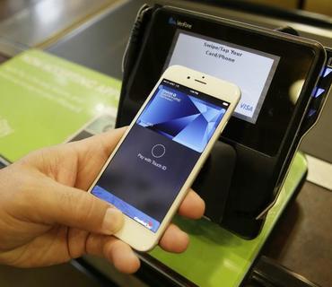 """""""Visa"""": Azərbaycanda """"Apple Pay""""in istifadə olunmasına icazənin alınması üçün çalışacağıq"""