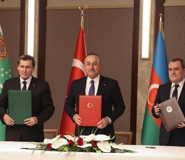 Türkiyə, Azərbaycan və Türkmənistan XİN başçıları üçtərəfli görüşə dair birgə bəyanat qəbul edib
