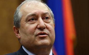 Sarkisyan Baş Qərargah rəisinin istefasını ikinci dəfə imzalamadı
